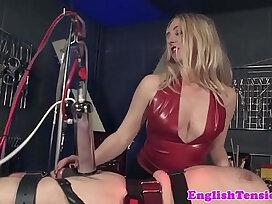 femdom-sex-sex machine-whip