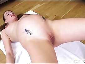 fingering-fitness-pregnant-pussy-workout