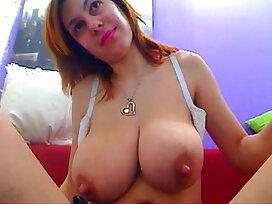huge tits-incredible-mom-nipples-tits