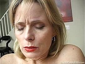 amateur-granny-lady-mature-older woman
